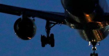 एयर कनाडा के विमान के रूप में F-18 फाइटर जेट को मैड्रिड में इमरजेंसी लैंडिंग कराया गया