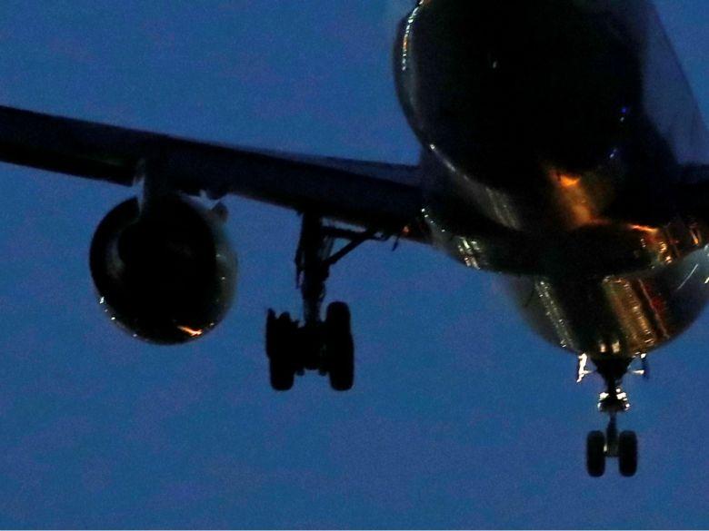 Stíhačka F-18 se míchala, když letadlo Air Canada nouzově přistávalo v Madridu