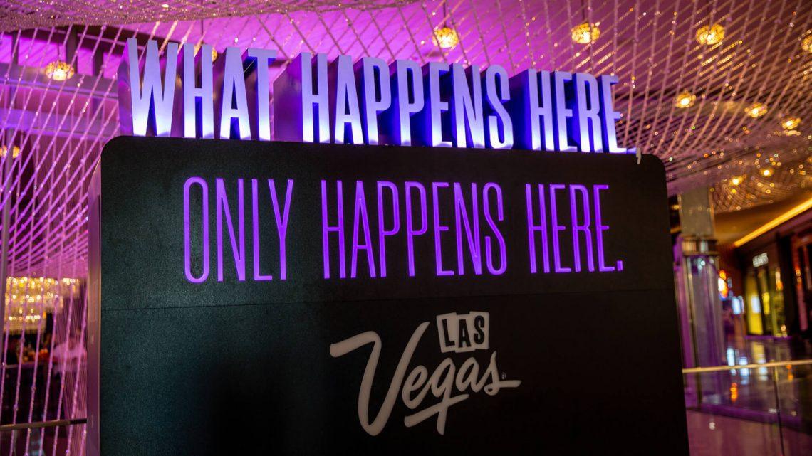 Las Vegas pinta a cidade de roxo