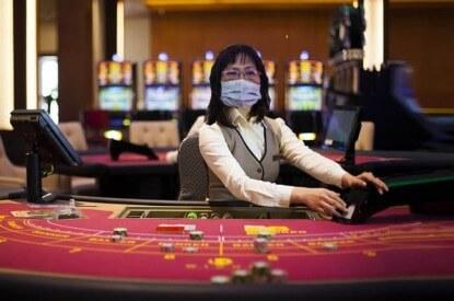Makau membuka kembali kasino setelah menghentikan operasinya karena ketakutan akan virus corona