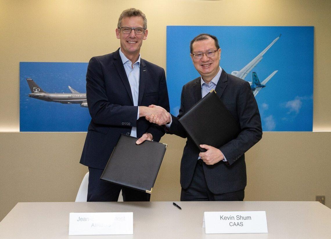 Airbus kaj Civil Aviation Authority de Singapuro subskribas MOU