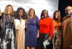 Grenada rammer den internationale landingsbane med Fe Noel på New York Fashion Week