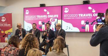 Online cestování a inovace: Kontrast mezi člověkem a technologií