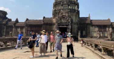 সিম রিপ চীন পর্যটকদের উন্মুক্ত অস্ত্র দিয়ে স্বাগত জানায়