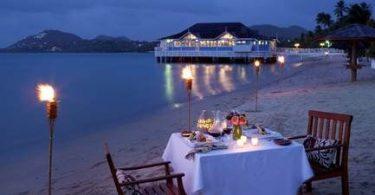 सैंडल और समुद्र तट रिसॉर्ट्स स्वीटहार्ट स्वीपस्टेक और विशेष प्रस्ताव के साथ वेलेंटाइन डे मनाते हैं