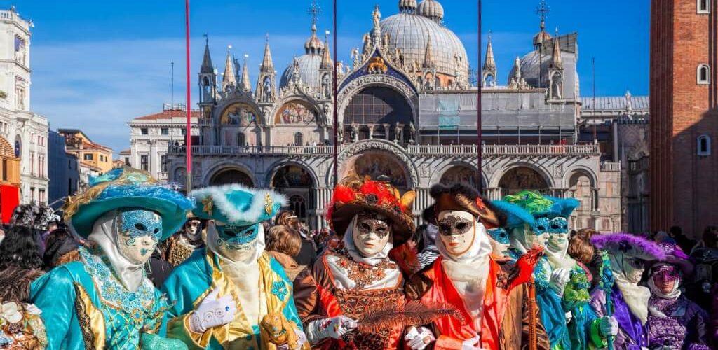 It-Turiżmu ta 'Venezja jwaqqaf il-Karnival biex jibgħat il-viżitaturi d-dar