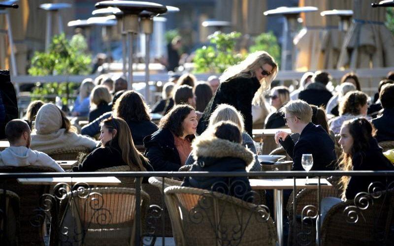 پہلے کی بجائے بہتر: سویڈن نے آخرکار 50 یا اس سے زیادہ لوگوں کے عوامی اجتماعات پر پابندی عائد کردی