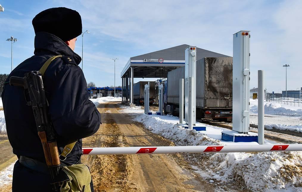 Russia shuts down borders completely over coronavirus pandemic