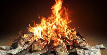 IATA: Letecké společnosti čelí rychlému spalování peněz