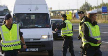 اتریش پروازهای فرانسه ، اسپانیا و سوئیس را ممنوع می کند ، چک های مرزی را معرفی می کند