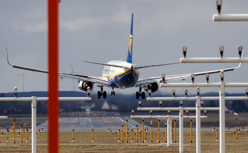 اتحادیه اروپا با سقوط تقاضای جهانی سفر هوایی ، قوانین استفاده از اسلات فرودگاه را متوقف می کند