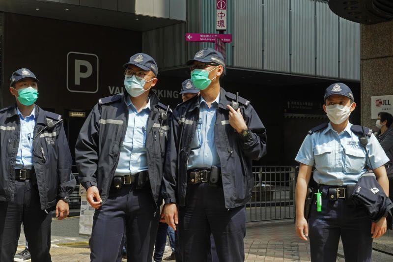 هونغ كونغ تعلن الحجر الصحي الإلزامي لجميع الركاب القادمين