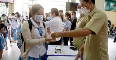 Kambodscha annoncéiert d'Aschränkungsbeschränkungen, verbitt international Flosscroisièren