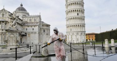 Italy orders new restrictions to stop the COVID-19 pandemic