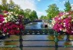 Amsterdam am Fréijoer: Déi bescht Geleeënheet fir eng Rees