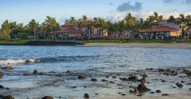 2 سائحون في هاواي يموتون في المحيط