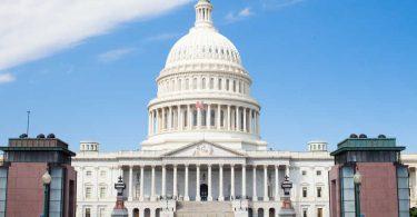 سفر الولايات المتحدة يشيد بتمويل فيروس كورونا