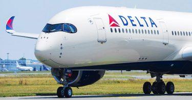 Delta Air Lines sufre reducciones de costos en respuesta al COVID-19