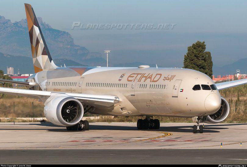 Etihad Airways odesílá charterové lety do Ruska po pozastavení letu kvůli COVID-19