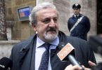 意大利总理宣布关闭所有商业活动