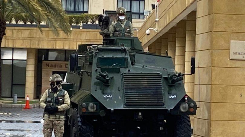 Koronavirus bezpečnostní hrozba na Středním východě: vojenská reakce