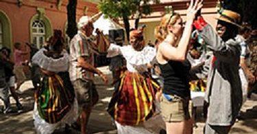 D'Martinique fuerdert Touristen op heemzekommen