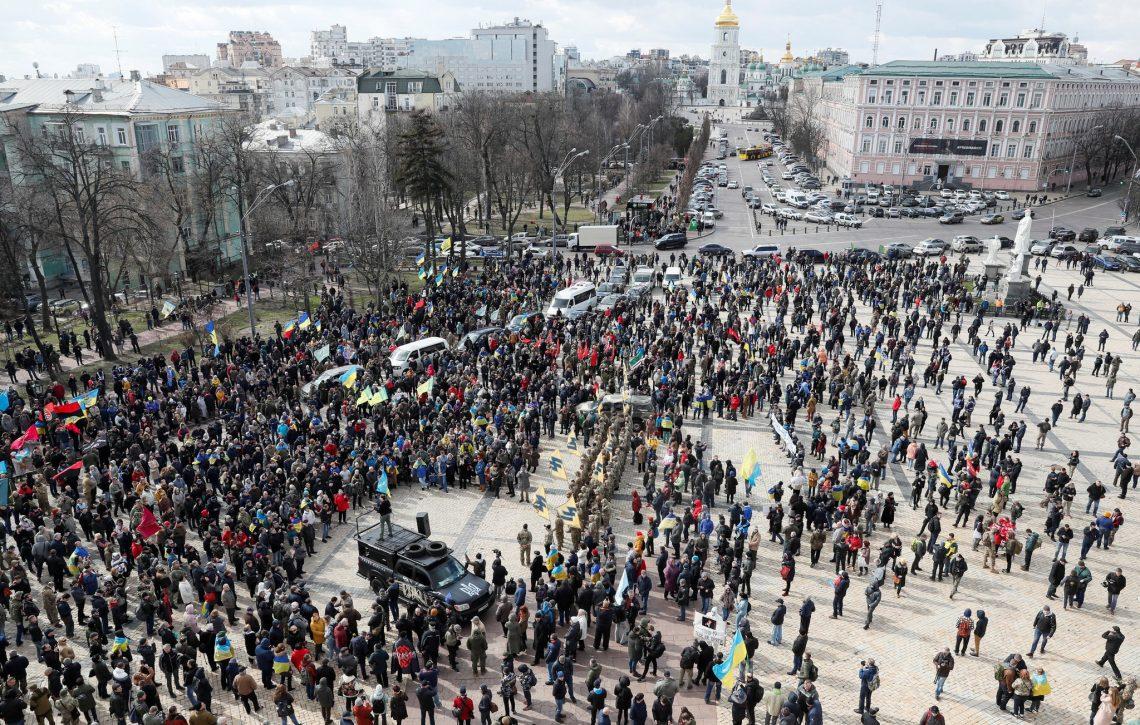 Massa-protesten yn Kiev set stêd fan 3 miljoen yn gefaar wylst metro waard skorst