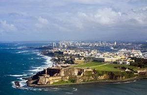 Puerto Rico fordert Touristen auf der Insel nachdrücklich auf, die Sperrung einzuhalten