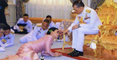 Živio kralj Tajlanda u Bavarskoj sa svojim Haremom 20 prekrasnih tajlandskih dama