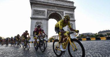 'Intet andet valg' end at annullere: Tour de France ville være en katastrofe, advarer ekspert