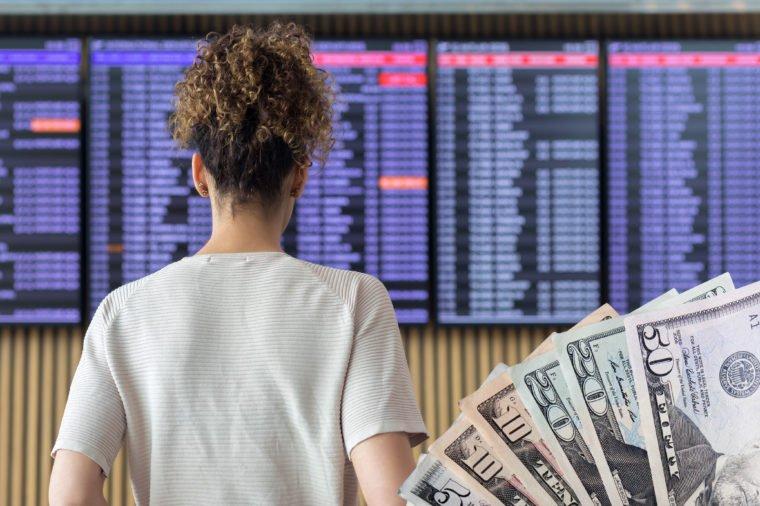 شرکت های هواپیمایی باید هزینه های نقدی را برای پروازهای لغو شده و نه کوپن ارائه دهند