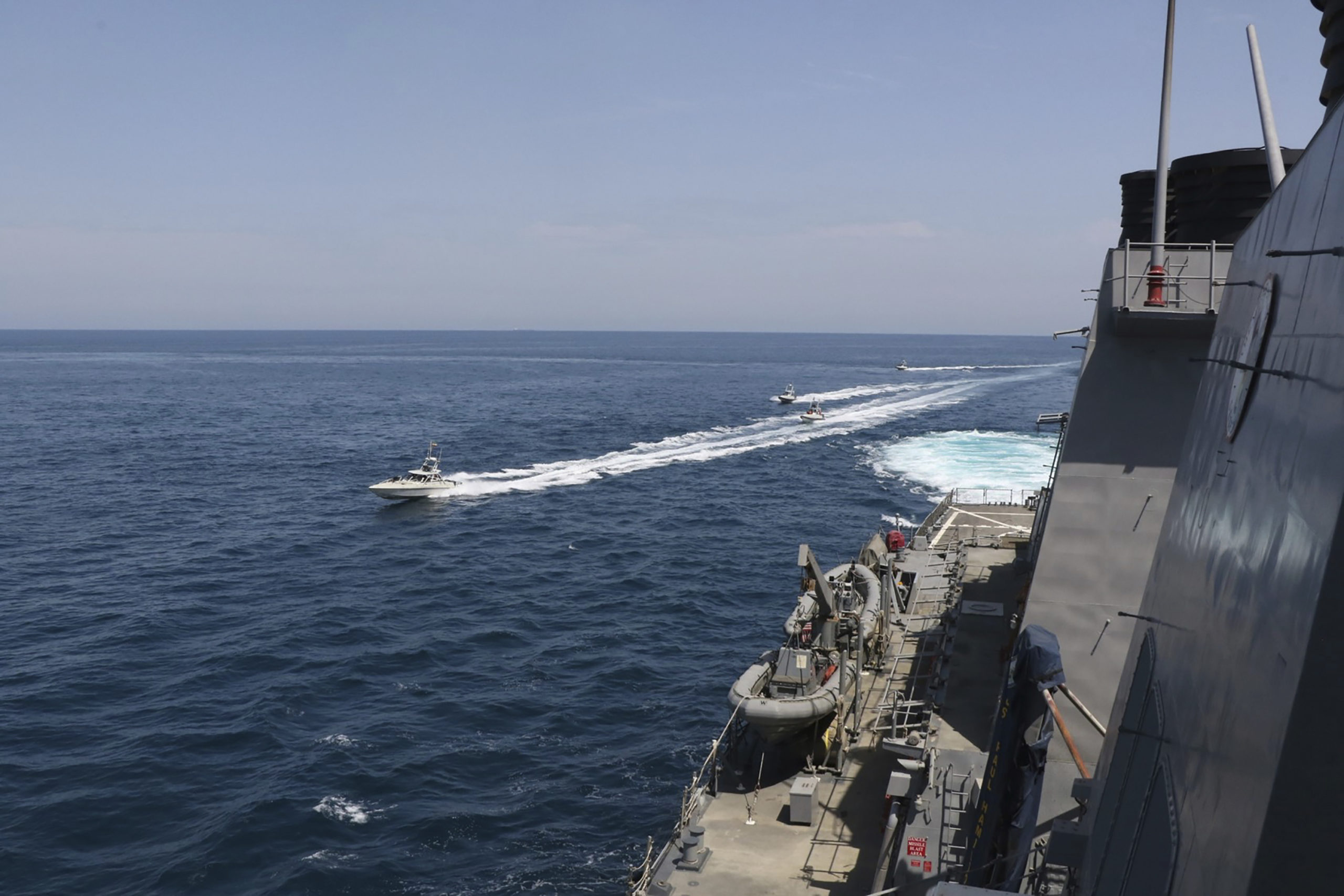 US Navy ordered to sink Iranian gunboats in Persian Gulf