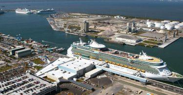 Zaměstnanci přístavu Can Caneral v oblasti výletních a rekreačních podniků