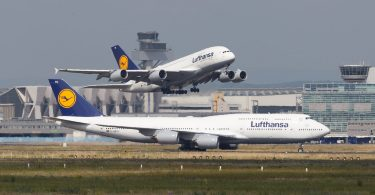 Ti Lufthansa jumbo-jetfly til at evakuere tyske turister fra New Zealand