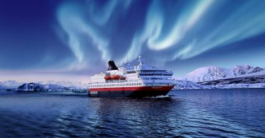 Retkikunnan risteilylinja Hurtigruten jatkaa toiminnan keskeyttämistä