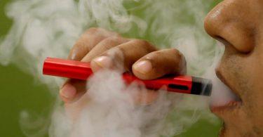 COVID-19 पर अमेरिकन लंग एसोसिएशन इन एअर: धूम्रपान और वाष्प छोड़ना