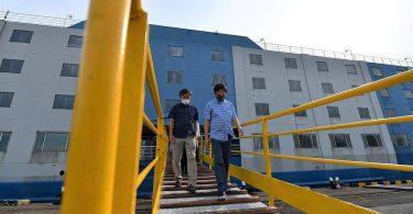 """Singapur bringt Wanderarbeiter zu """"Unterkunftsschiffen"""", die in Sperrgebieten angedockt sind"""