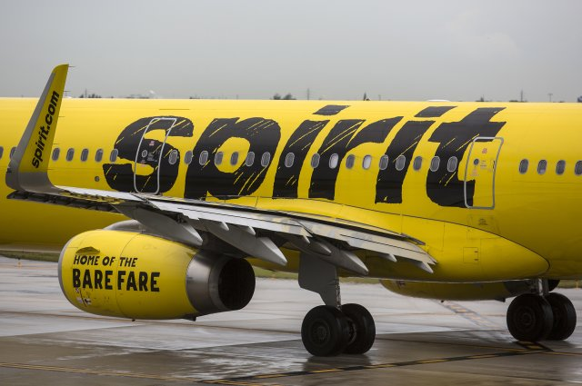 Young naked lady not wearing a mask booked on Spirit Airlines during Coronavirus