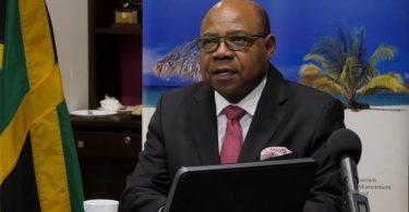 Jamaicas minister Bartlett diskuterer COVID-19-turismens indvirkning