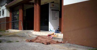 Miles de muertos, cadáveres amontonados en la acera: Ecuador hizo todo mal
