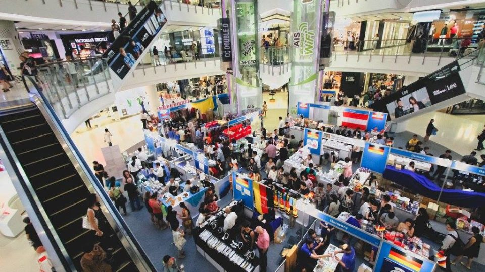 As COVID-19 cases dwindle, Thailand re-opens shopping malls, stores