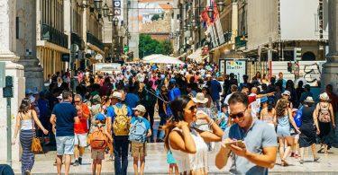 Portugalsko brzy potřebuje britské turisty, aby urychlilo hospodářské oživení