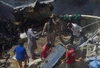 Пакистаны олон улсын агаарын тээврийн онгоц 100 гаруй хүн сууж Карачи хотод осолджээ
