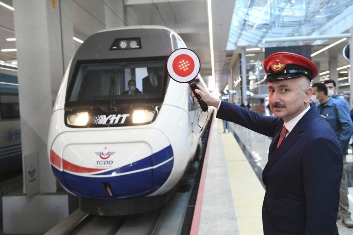 Turki meneruskan perkhidmatan kereta api penumpang dengan kapasiti separuh
