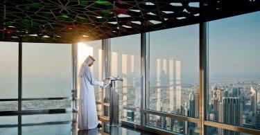 دبی مجدداً باز می شود: در بالا برج خلیفه که اکنون باز است