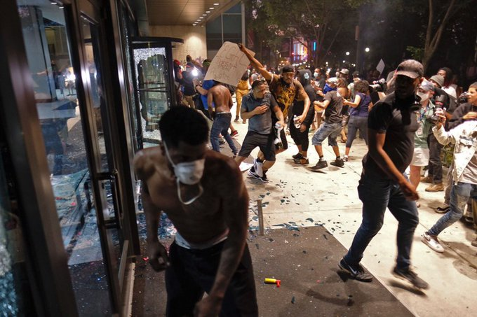 Coronavirus, Riots, White House Siege: Unfolding Simultaneously in USA