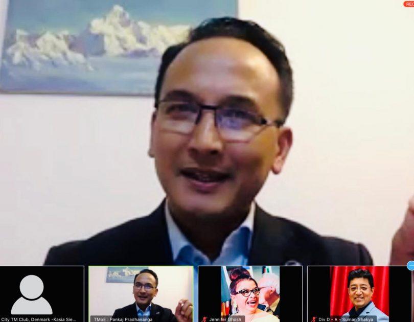 در حین قفل ، نپال میزبان یک نشست جهانی Toastmasters است