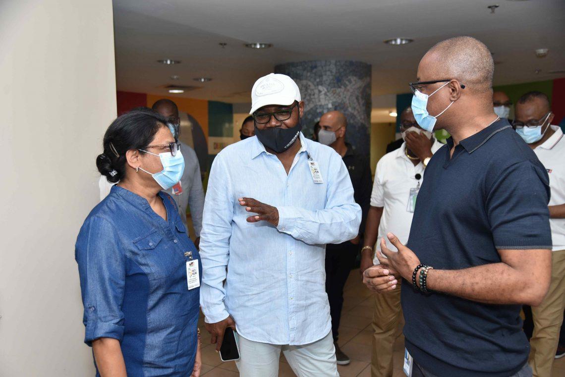 Bartlett: Sistem sing cukup kanggo mbukak maneh sektor pariwisata Jamaika