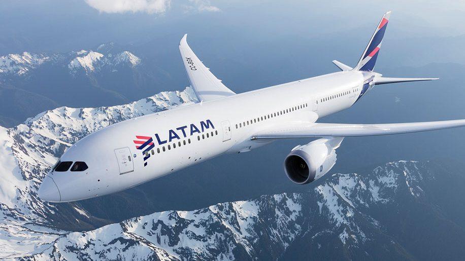 A LATAM Airlines Argentina beszünteti működését
