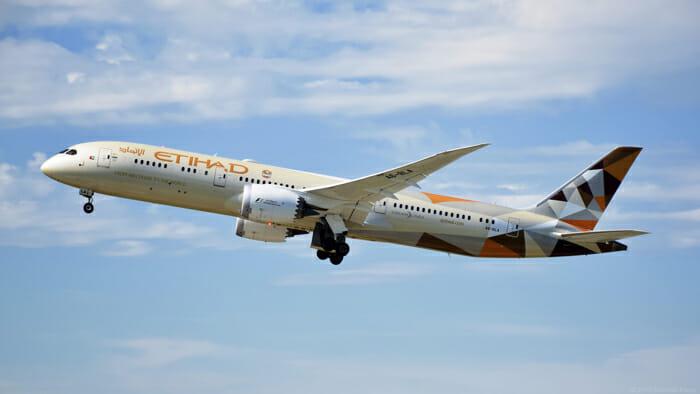هواپیمایی اتحاد به یونان برمی گردد
